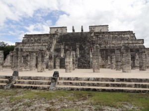 temple-of-the-warriors-chichen-itza-tours